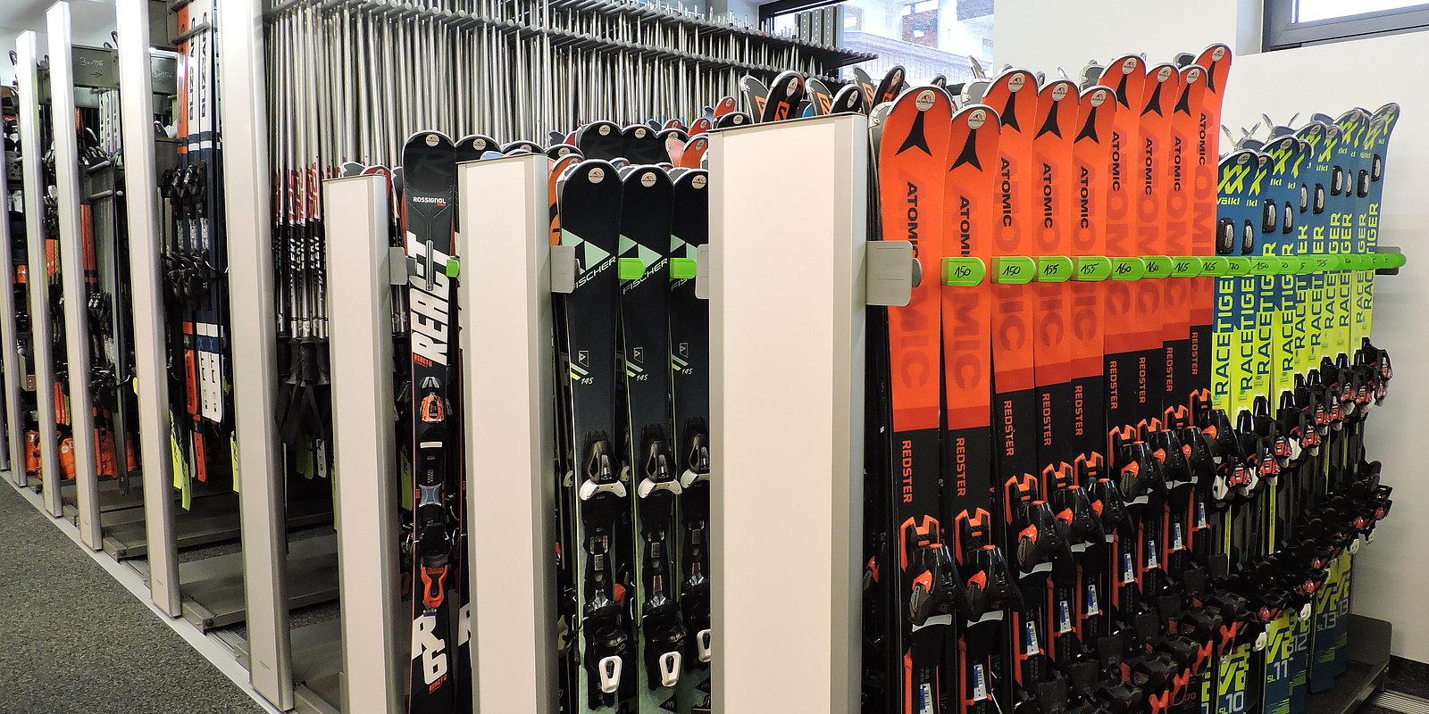 Für jeden den perfekten Ski von top Marken - Skiverleih Hochzillertal